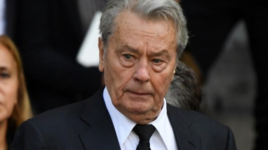 Une pétition contre la palme d'honneur d'Alain Delon au Festival de Cannes