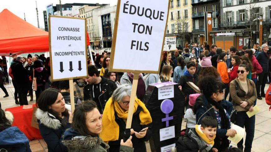 Clermont-Ferrand : plus d'un millier de personnes dans la rue pour la journée des droits des femmes