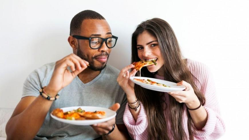 Les couples les plus heureux sont ceux qui mangent le plus