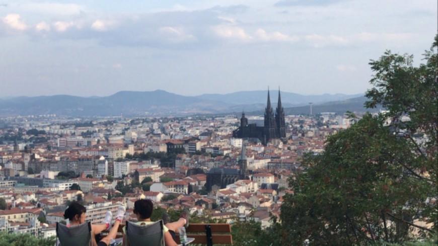 Clermont-Ferrand reconnue pour être une ville universitaire où il fait bon vivre.