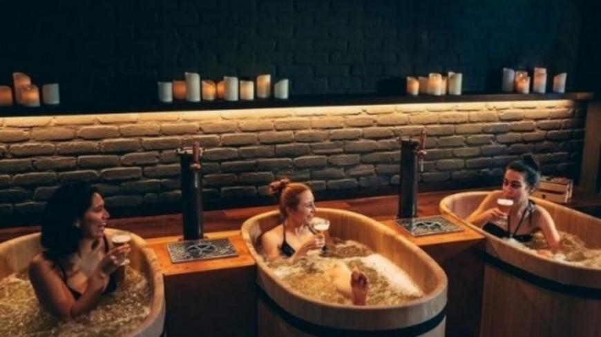 Insolite - Un spa propose des bains de bière à ses clients ! (photos)