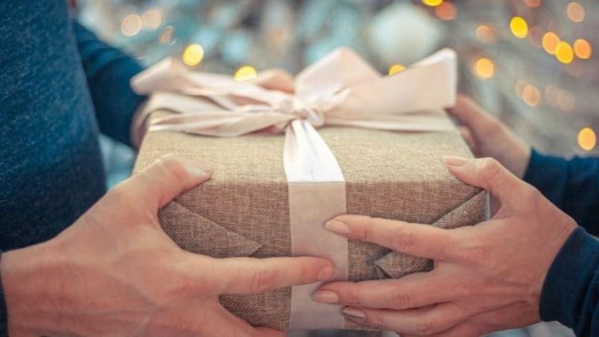 Un homme sort avec 35 femmes pour avoir plus de cadeaux d'anniversaire !