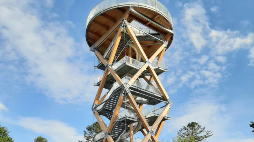 Le plus haut toboggan de France est dans le Puy-de-Dôme, au parc de Prabouré !