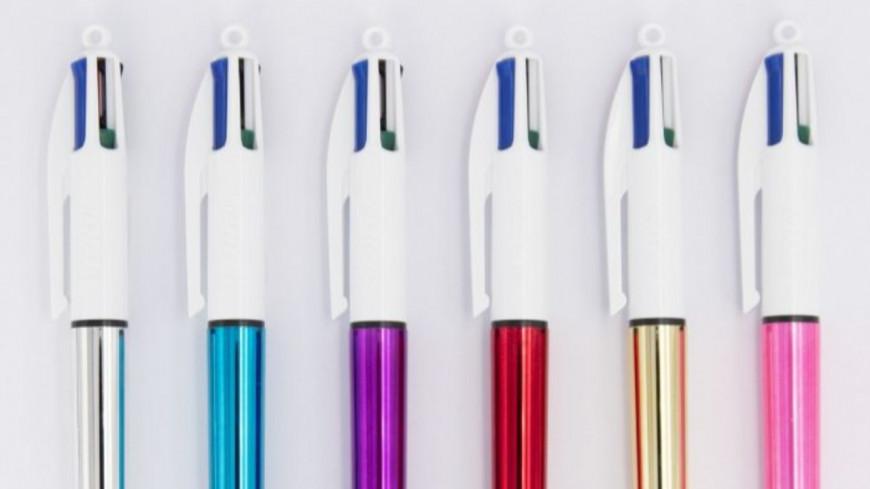 Voici à quoi sert la boule blanche en haut des stylos 4 couleurs !