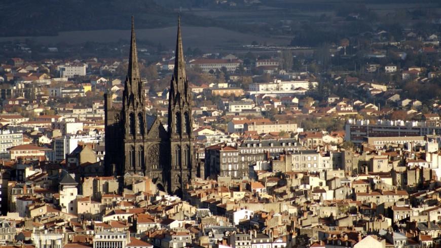 Clermont-Ferrand : un jeune homme poignardé 11 fois