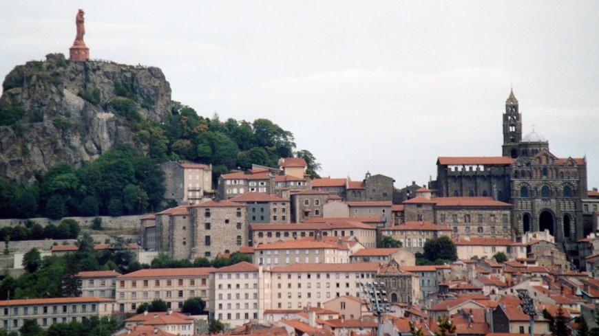 Le Puy-en-Velay : Emmanuel Macron en visite surprise