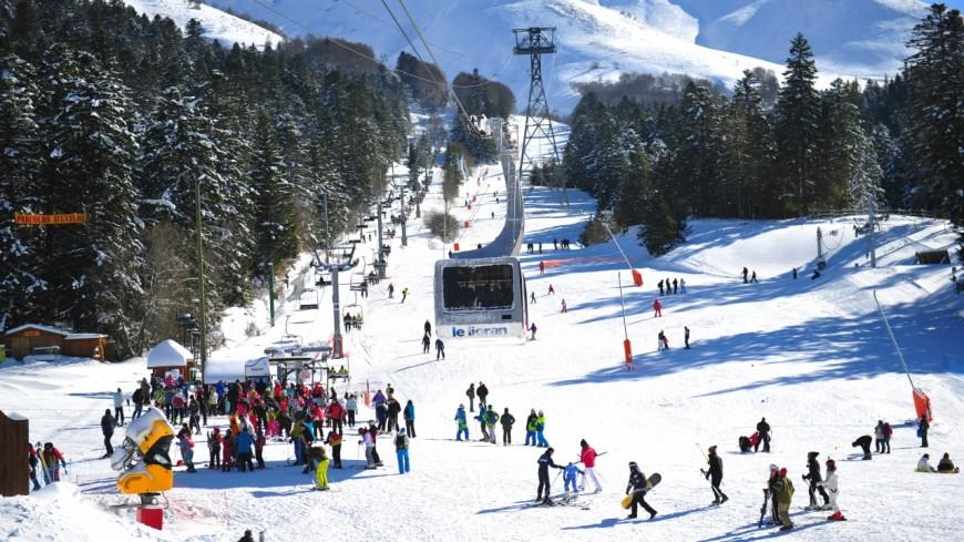 Station de ski du Lioran : un nouveau télésiège mis en place à la Combe