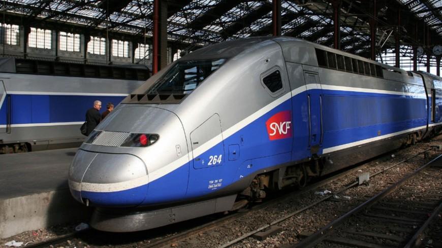 Clermont-Ferrand : Le train reliant Paris bloqué par les manifestants