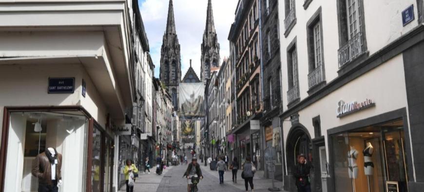 Un amour gravé dans la roche à Clermont-Ferrand