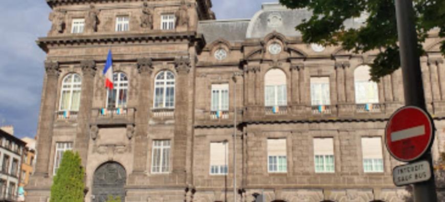 Clermont-Ferrand : les patrons de discothèques protestent devant la préfecture